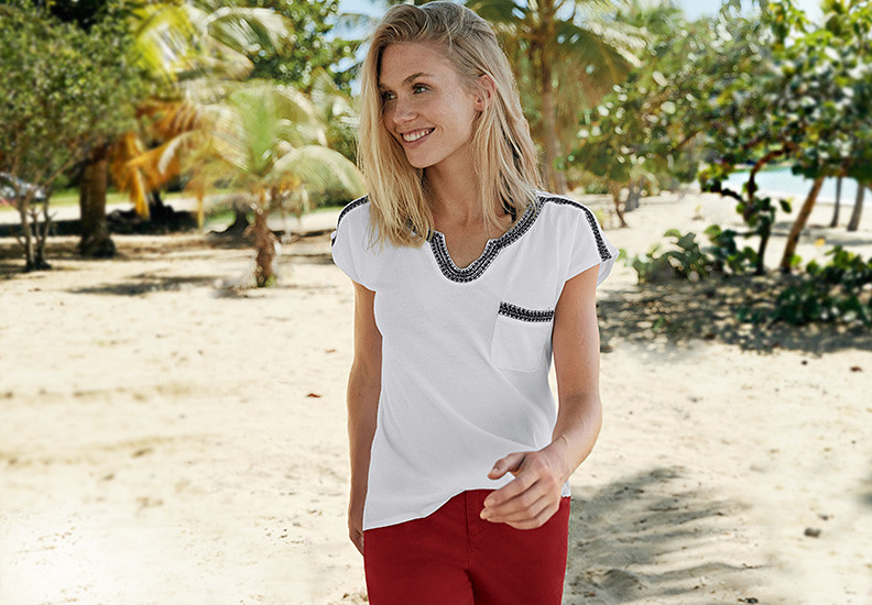 Image of a women wearing the Rosario T-shirt