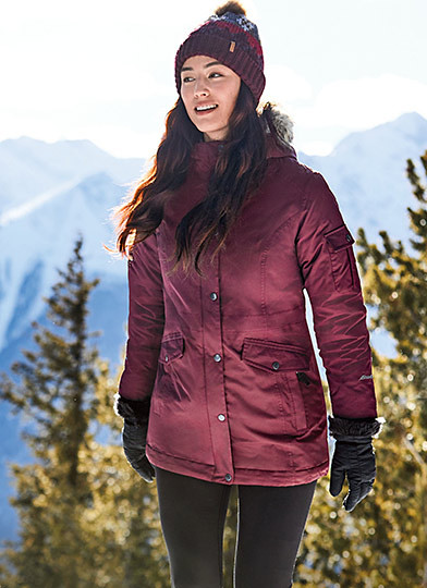 A women wearing a Superior 3.0 Down Parka