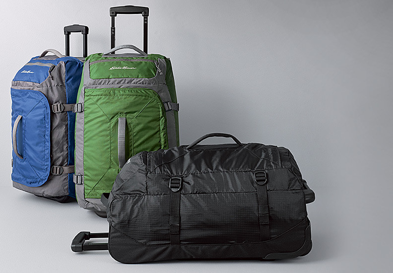 Different colors and features of the Gate 21 Duffel