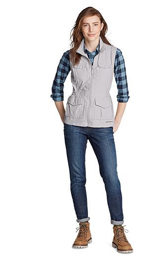 A woman wearing an Atlas 2.0 Vest
