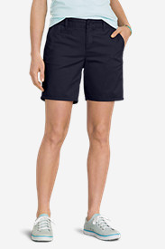 "Women's Slightly Curvy Legend Wash Stretch Twill 7"" Shorts"