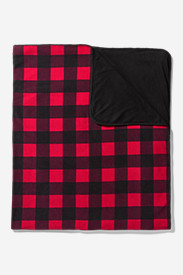 Red Bedding: Quest Fleece Throw