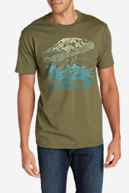 Comfortable Shirts for Men: Men's Graphic T-Shirt - Mount Rainier