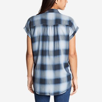 Thumbnail View 2 - Women's Tranquil Short-Sleeve Shirred Shirt - Pattern