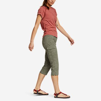 Thumbnail View 3 - Women's Sightscape Horizon Cargo Capris - Print