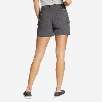 Thumbnail View 2 - Women's Sightscape Horizon Cargo Shorts - Print