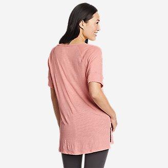 Thumbnail View 2 - Women's Gate Check Short-Sleeve Step-Hem T-Shirt