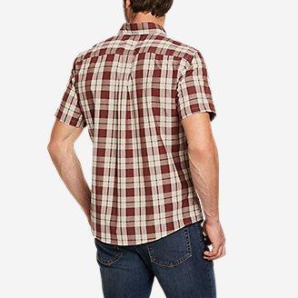 Thumbnail View 2 - Men's On The Go Short-Sleeve Poplin Shirt