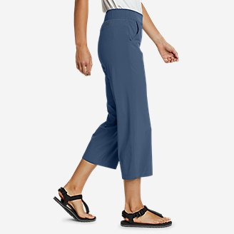 Thumbnail View 3 - Women's Escapelite Wide-Leg Capris